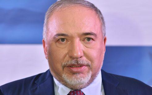"""ליברמן: """" ממשלת ישראל הופכת את האזרחים לסוג ב' – אנחנו לא נצטרף לממשלה שמשלמת פרוטקשן לארגון טרור"""""""