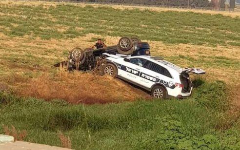 נתניה: מרדף משטרתי אחרי רכב גנוב הסתיים בתאונה ומעצר – צפו בתיעוד