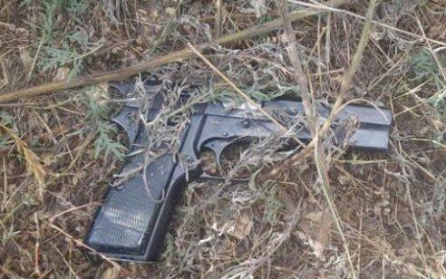 נתפס ערבי עם אקדח ברכבו בשומרון, לאחר שניסה להימלט