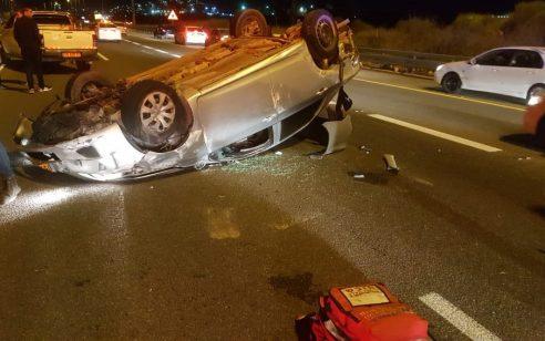 צעיר בן 25 נפצע בינוני כתוצאה מהתהפכות רכבו בסמוך למחלף גולני