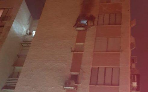 גבר כבן 70 נפצע בינוני וחמישה קל בשריפת בניין באשקלון