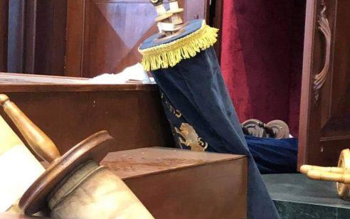 פשע שנאה בבית הכנסת בבוורלי הילס שבלוס אנג'לס