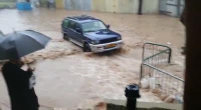 הסערה כאן: כבישים נחסמו ותנועת הרכבות הופסקה בעקבות הצפות בחיפה – החרמון נסגר בגלל שלג כבד   צפו