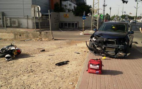 רוכב אופנוע כבן 25 נפגע מרכב באשקלון – מצבו בינוני