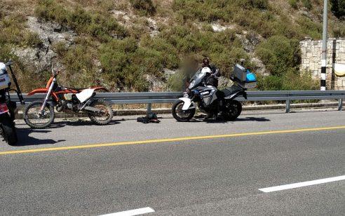 צפו בסרטון מהמצלמה הטקטית: פעילות אכיפה מוגברת למען שמירה על חיי רוכבי הדו-גלגלי בכבישים