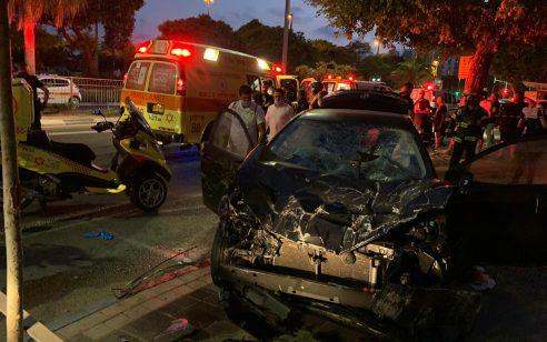 נהגת בת 25 נהרגה לאחר שהתנגשה עם רכבה במעקה בחולון – נוסע שישב לצידה נפצע בינוני
